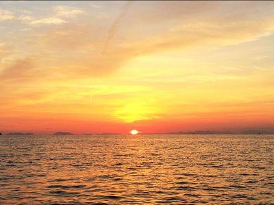 瀬戸内海に沈む夕陽.jpg